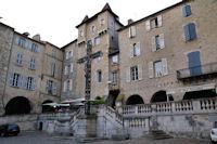 Place Notre Dame a Villefranche de Rouergue