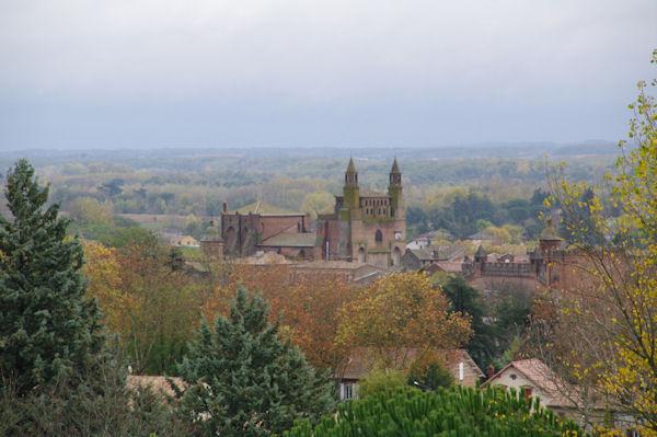 L_église Notre Dame du Bourg à Rabastens depuis La Rode