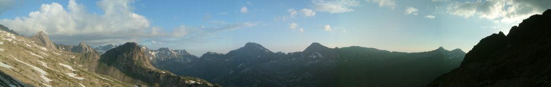 Panorama sur la crête frontière