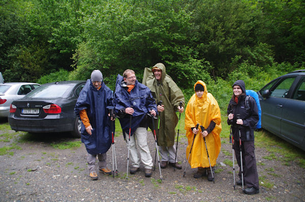 Camille, Alexendre, Bernard, Jacques et Fred sur le parking de Pleta del Estallo