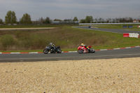 Les motards en action au circuit Carole
