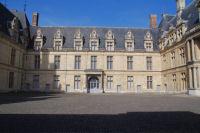 La cour interieure du Chateau d'Ecouen