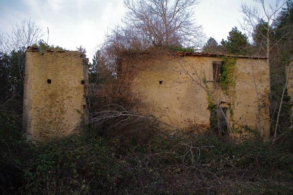 Les ruines de Crême