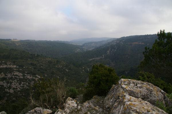La vallée de l'Orbieu depuis le roc de Notre Dame du Carla