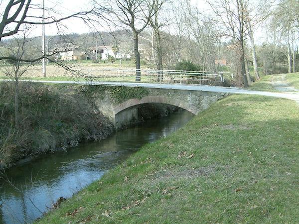 Le pont sur la Rigole vers Ferrabouc