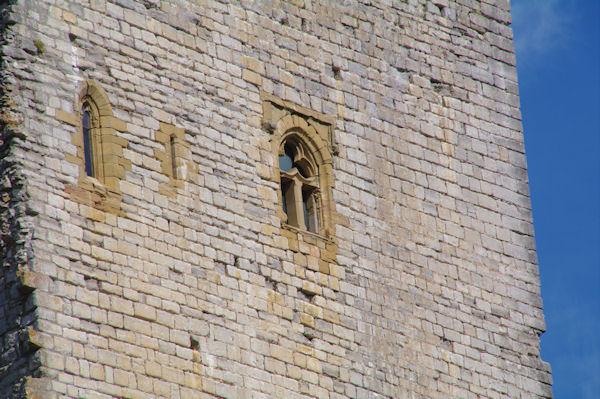 Une des tours du château de Puivert