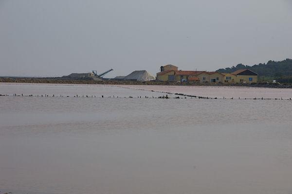 Les installations de purification du sel à Gruissan