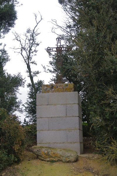 Une croix à Lanta