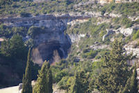 Un des ponts naturels de la Cesse a Minerve