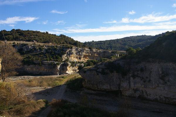 La vallée assèchée de la Cesse à Minerve