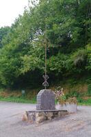 Une croix a Villelongue sur la D162c