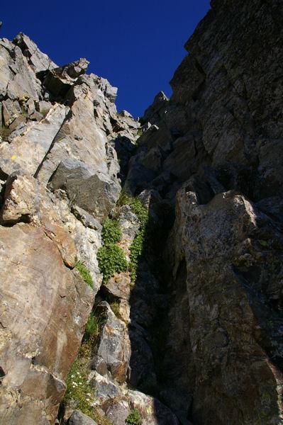 La cheminée Sud du Canigou, les gradins se descendent relativement facilement