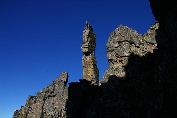 Le fameux totem depuis la cheminée Sud du Canigou