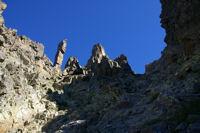 Le totem gardien de la cheminee Sud du Canigou