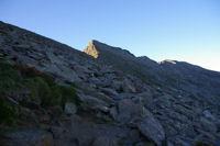 Les pentes raides et rocailleuses de la face Nord du Canigou