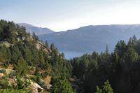 Le Lac des Bouillouses, au fond, le Petit Peric