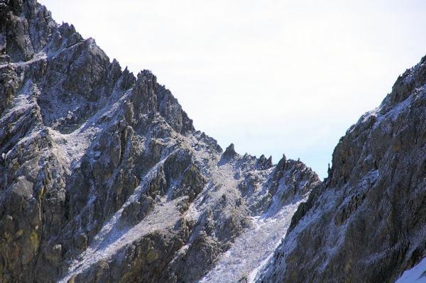 La Portella Roja et la crête dentelée du Puig Pedros depuis le versant Nord du Cap de Llosada