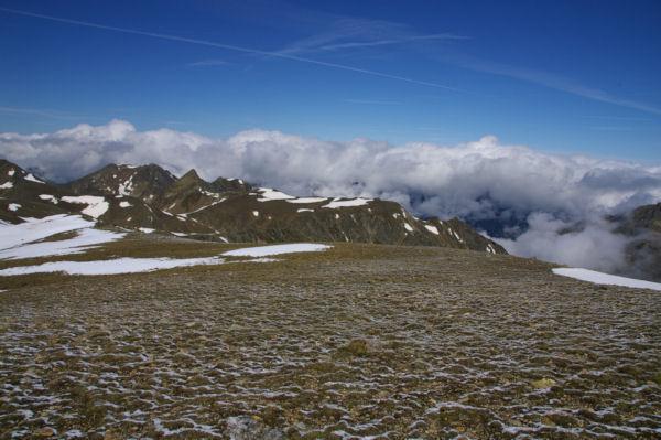 L Ariège dans les nuages depuis les pentes du Puig de Coma d Or