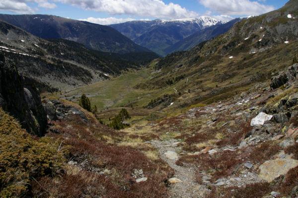Les pentes de la Sola de Cortal Rosso menant à la vallée de Queforc