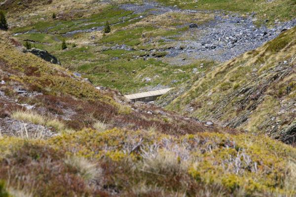La canalisation d eau qui sert de chemin pour rejoindre la vallée de Querforc