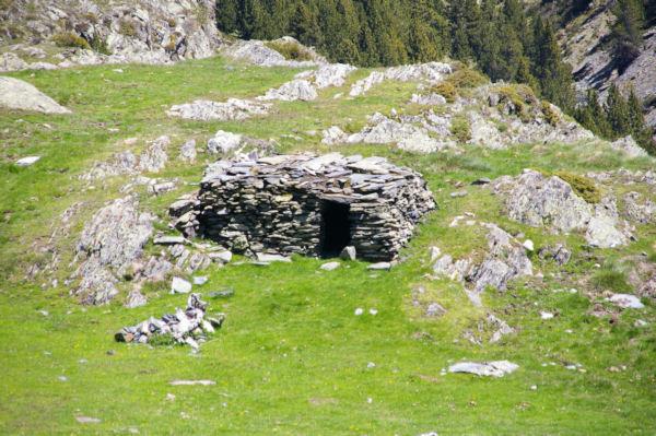 Un orri au dessus de la vallée de Cortal Rosso