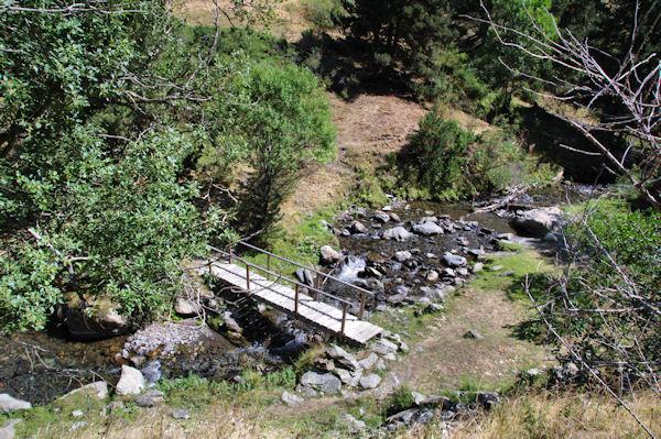 Petit pont sur le Sègre sous Viver d_Estagell