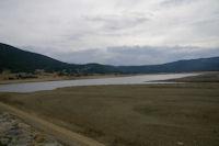 Vue du Lac de Matemale (pas bien rempli en cette saison!) depuis le barrage