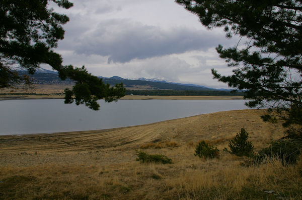 Vue Ouest du Lac de Matemale