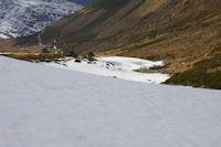 Contraste dans la Coma d&#39en Garcia, versant Nord enneige, versant Sud pelat!