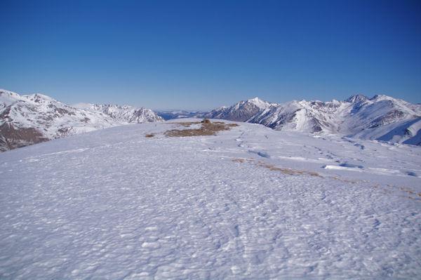 Sommet Anonyme à 2443m, sur la crête menant au Pic dels Pedrons