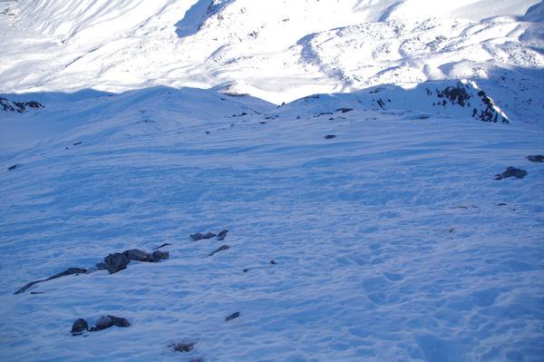 Le descente de la crête du Pic dels Pedrons, un peu exposée