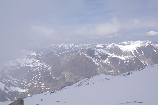 Le vallon d_Engorgs depuis le sommet secondaire du Puig de Campcardos