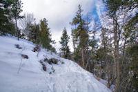 Le sentier en dévers au Bac de la Molina