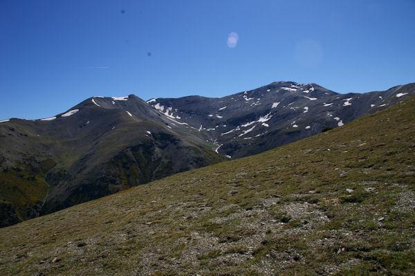 De gauche à droite, le Puigmal de Llo, le Petit Puigmal de Sègre et le Puigmal d_Err