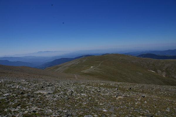 Le chemin montant du Coll de Queralbs vers la Tossa del Pas dels Lladres