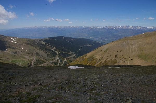 La station d_err - Puigmal, la Cerdagne et le massif du Carlit au fond