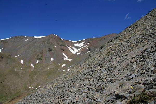 De gauche à droite, le Puigmal de Llo et le Petit Puigmal de Sègre