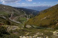 Le vallon de la Ribera d'Err, au fond, la Cerdagne et le massif du Carlit