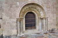 La porte de l'eglise de Llo