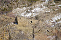 Une bergerie au dessus de Mas Patures dans le Rec de la Calleta