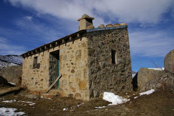 Un abri pastoral au Cortalet de Nyer