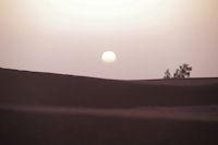 Lever de soleil dans les dunes de M'Hamid