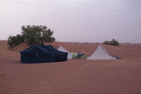 Le campement dans les dunes d_Oulad Driss