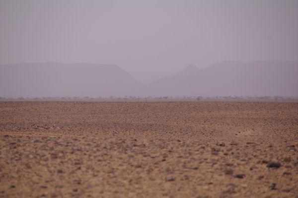 Au fond, le Jebel Bani
