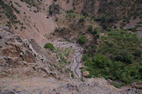 Cultures en palier au fond de la vallee d'Azaden peu apres Tassa Wirgane