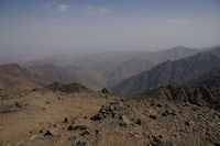 Vue Nord depuis le sommet du Toubkal, la vallee d&#39Imlil