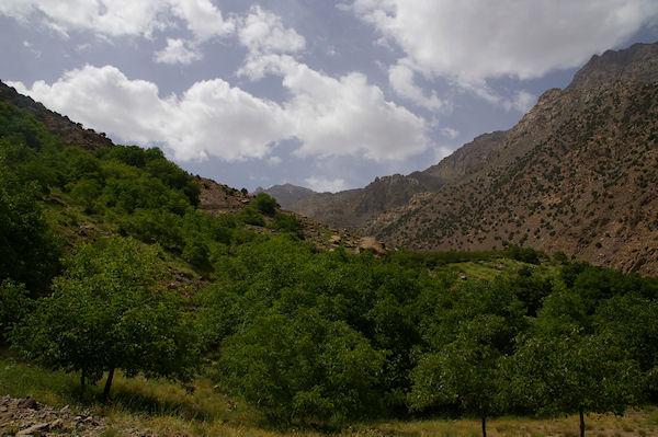 La vallée de l&#39Assif n Isougouane remontant vers Sidi Samharouch