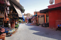 En arrivant dans le souk de Marrakech