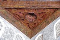 Plafond en bois sculpté peint