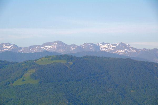 De gauche à droite, le Pic de Tartereau, le Pic de Serre Haute, le Pic de Canejan et le Pic de Crabère